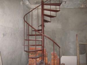 лестница сварная винтовая для квартиры