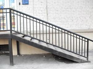 лестница сварная с перилами