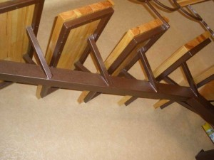 металлическая лестница с деревянными ступенями для квартиры