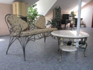 комплект кованой мебели в залу