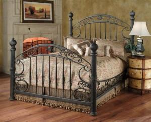кровать кованая с балясинами
