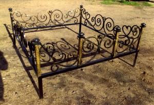кладбищенская кованая ограда