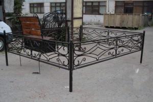 кованая ограда на кладбище от производителя