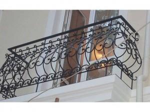 ограждение для французского балкона кованое под заказ в Киеве