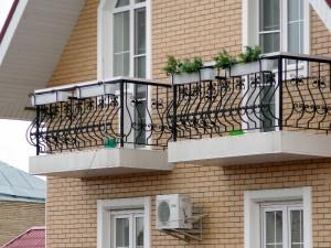 кованое ограждение для балкона луковица