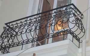 кованое ограждение для французского балкона под заказ
