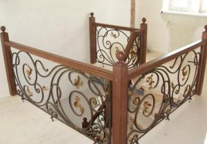 перила для лестницы из дерева и металла от призводителя