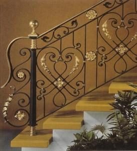 кованые перила для лестницы черные с золотом