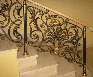 золотисто-черные кованые перила для лестницы
