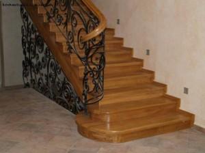 перила кованые к деревянной лестнице