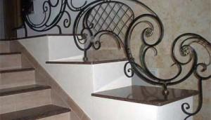 кованые перила для каменной лестницы