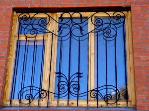 решетки кованые с установкой на окна киев