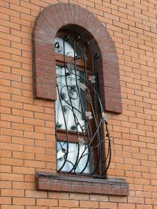 кованые решетки для деревянных окон
