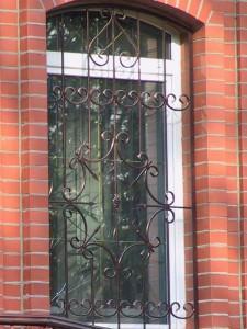 кованые решетки на пвх окна