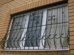 красивые кованые решетки на окна в киеве