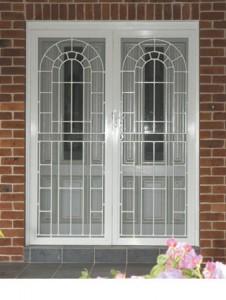 решетки на двери веранды