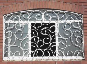 белые решетки на окна