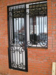 решетки на окна и двери террасы