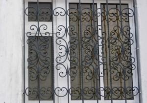 кованые решетки с установкой