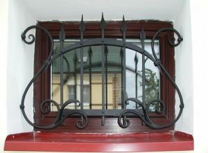 решетка на окно ручная ковка
