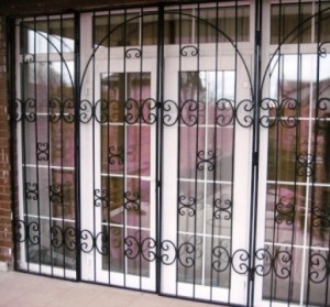 решетка на дверь веранды