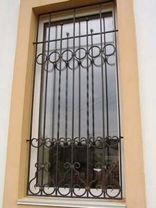 решетки на узкие окна