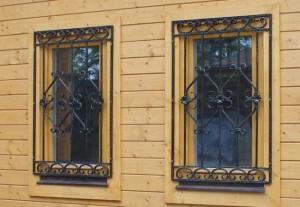 кованые решетки на деревянные окна