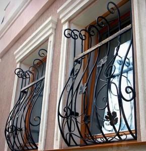 кованые красивые решетки для окон