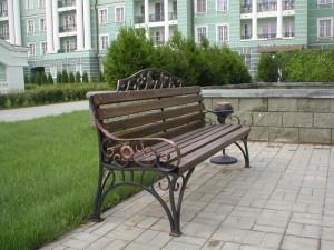 парковая тяжелая скамья