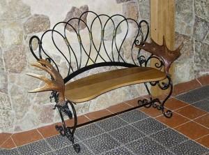 оригинальная кованая скамейка