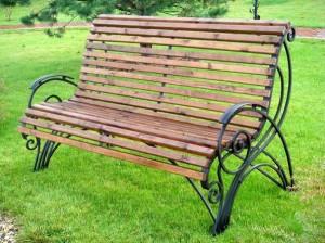 недорогие кованые скамейки в наличии и под заказ