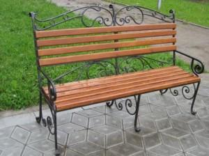 готовые кованые скамейки в сад