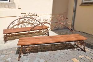 необычные кованые садовые скамейки