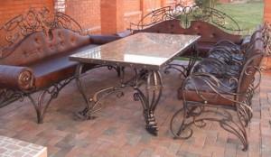 кованый стол со стульями мрамор кожа
