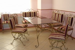 кованый стол и стулья купить у производителя