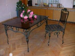 журнальный стол и стулья кованые в киеве