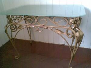 кованый стол матовое стекло