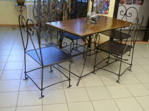 кованые столы и стулья для ресторана
