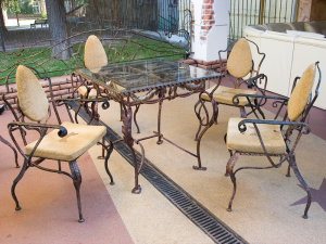 оригинальный кованый стол и стулья эксклюзив