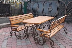 садовая мебель кованый стол и 2 скамейки