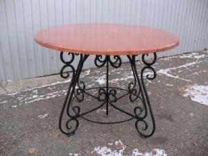 кованый стол из дерева и металла под заказ