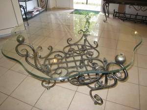 оригинальный кованый столик ручной работы