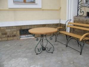 садовый комплект кованый стол и скамейка