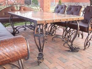 эксклюзивный кованый стол и стулья с кожей