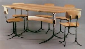 стол и стулья дерево металл