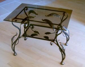 журнальный кованый столик в 2 уровня