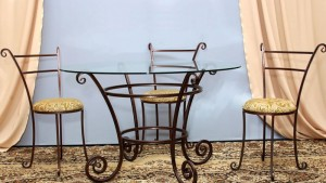 кованый стол и 3 стула