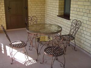 стол кованый обеденный со стульями