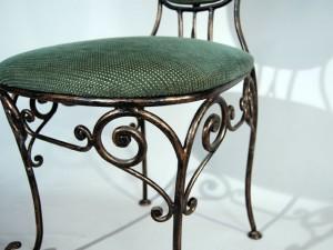 кованый стул с мягуим сидением