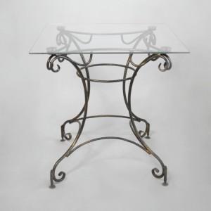изящный кованый столик